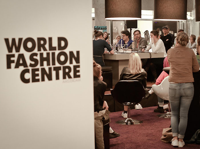 WFC Beursplaza_Fashion Revolution Talks